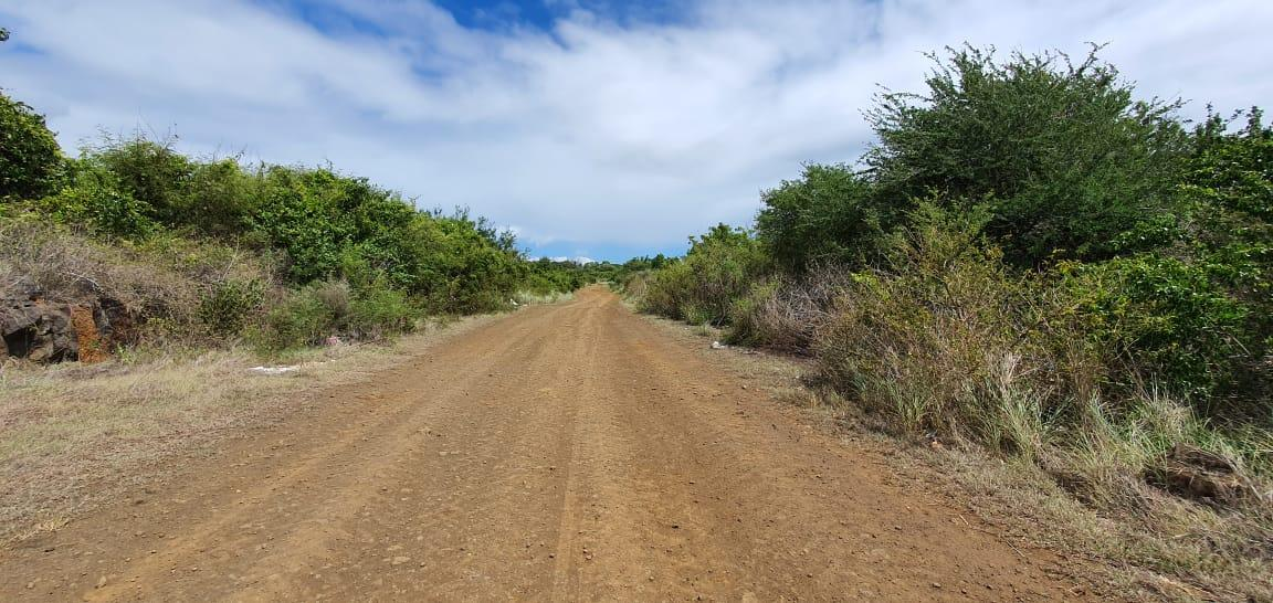 """For sale – Agricultural land of 1 acre 28 in Saint Antoine near the residential area of """"Petit Village""""."""