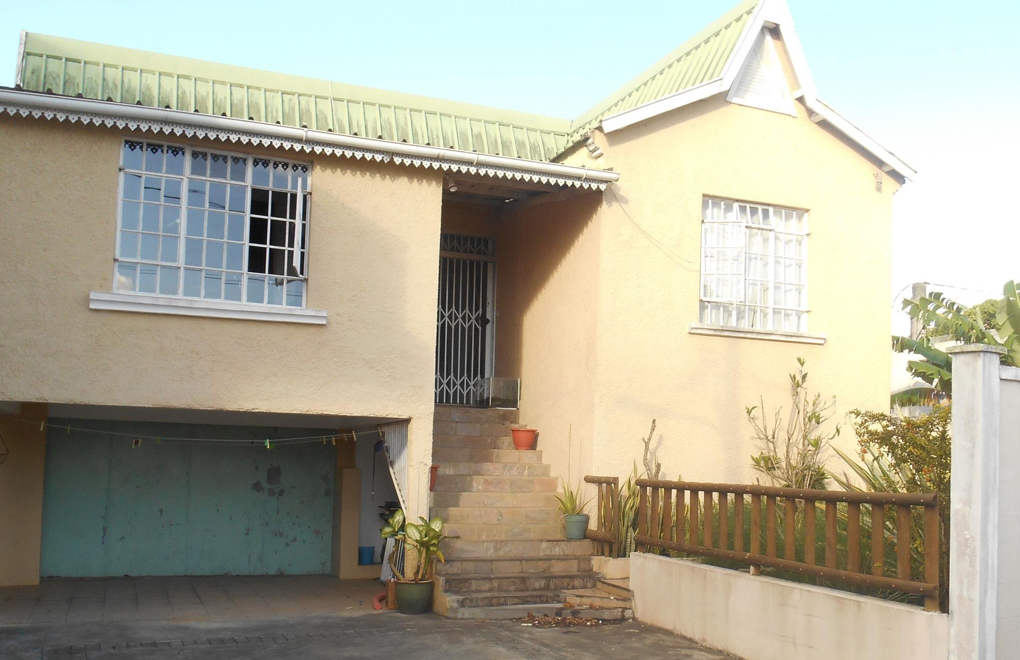 A vendre – Maison de 278 m2 à Vacoas.