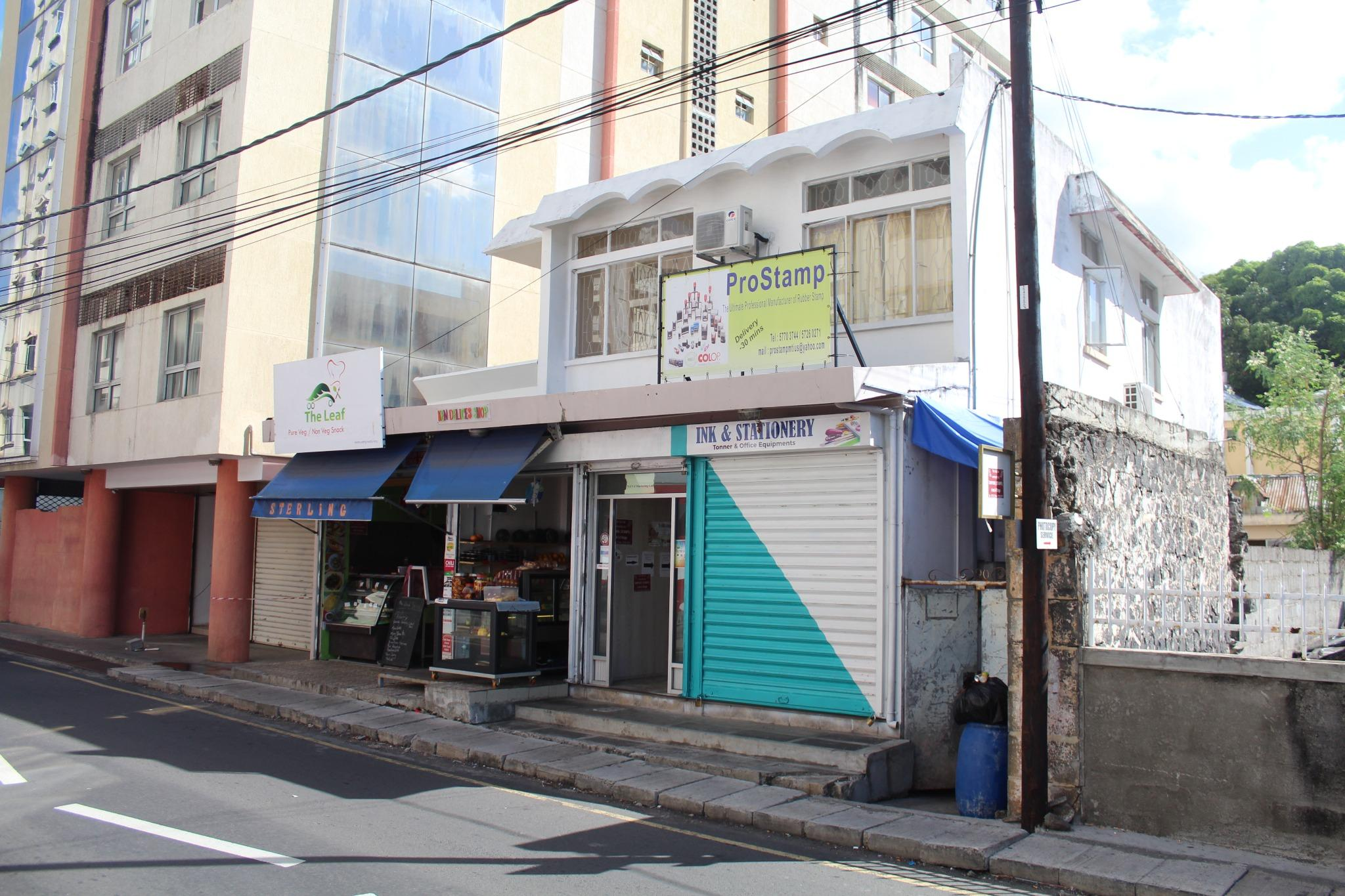 For sale – Commercial building of 167 m2 ideally situated in the city centre of Port-Louis.