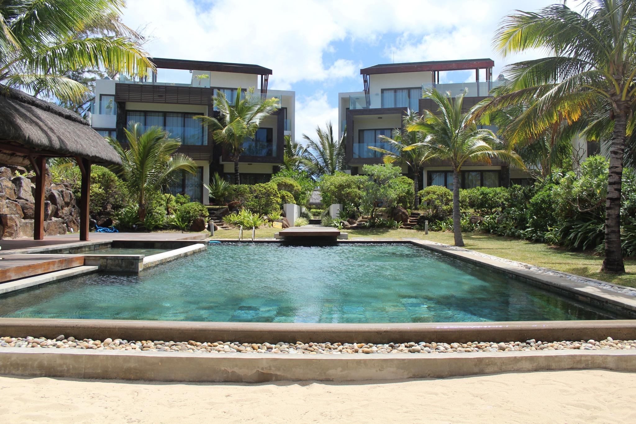 A louer – Magnifique penthouse pieds dans l'eau situé dans une résidence sécurisée 24H/24 à Belle Mare