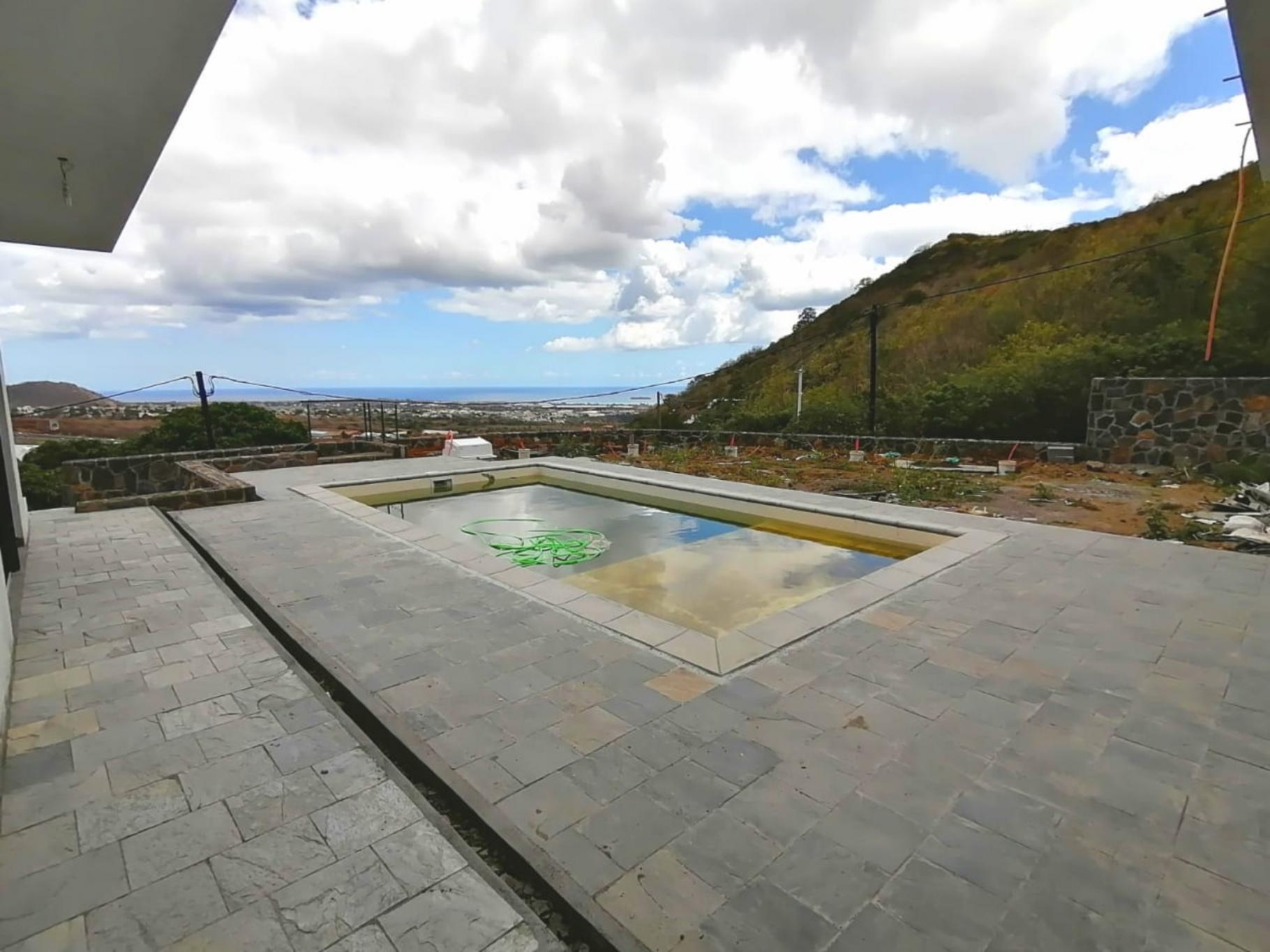 A VENDRE – Somptueuse villa à terminer non-meublée de 700 m2 à Sorèze