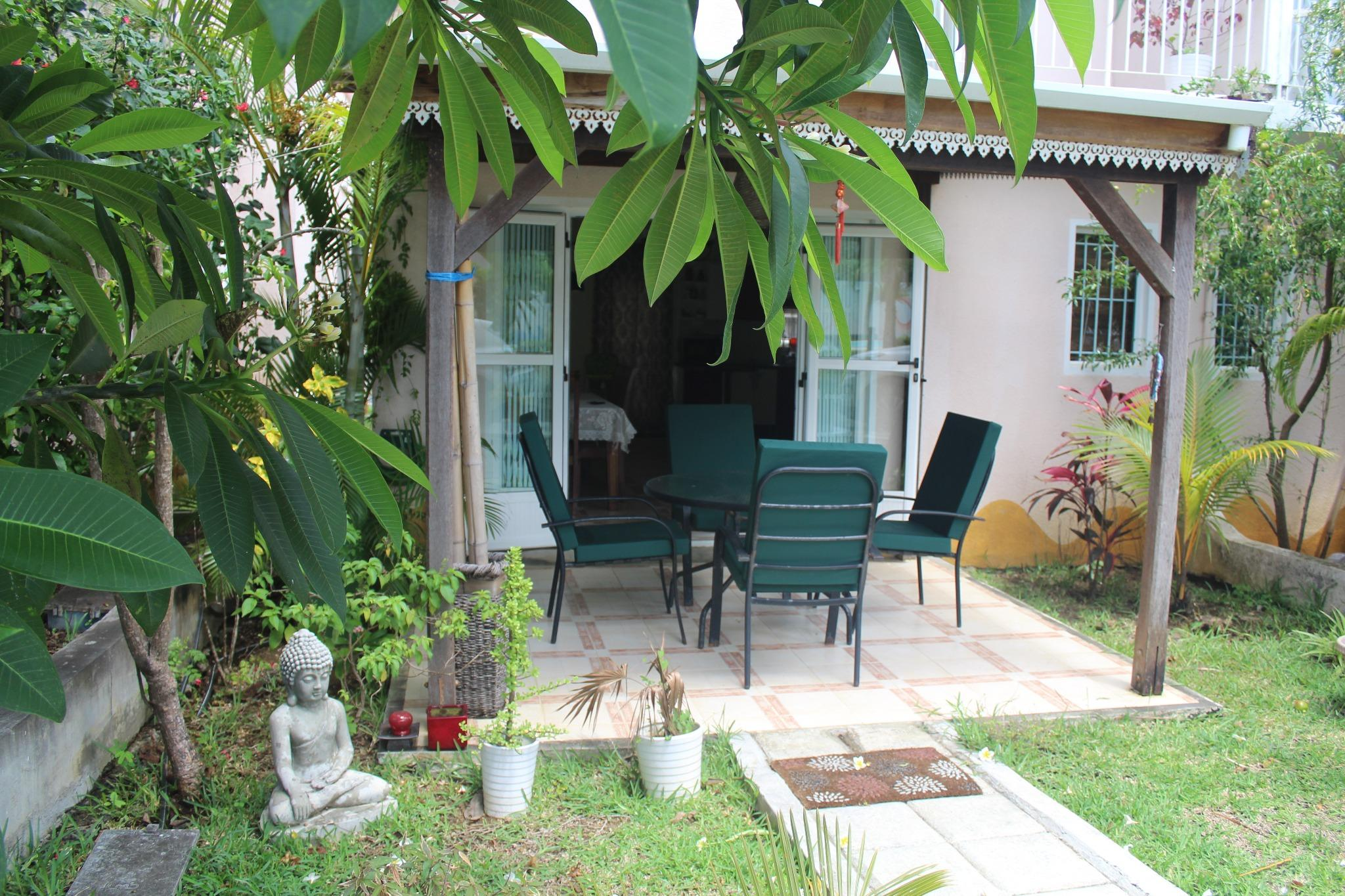 FOR SALE – Nice furnished and equipped duplex of 82 m2 Les Barachois residence in Grand Gaube