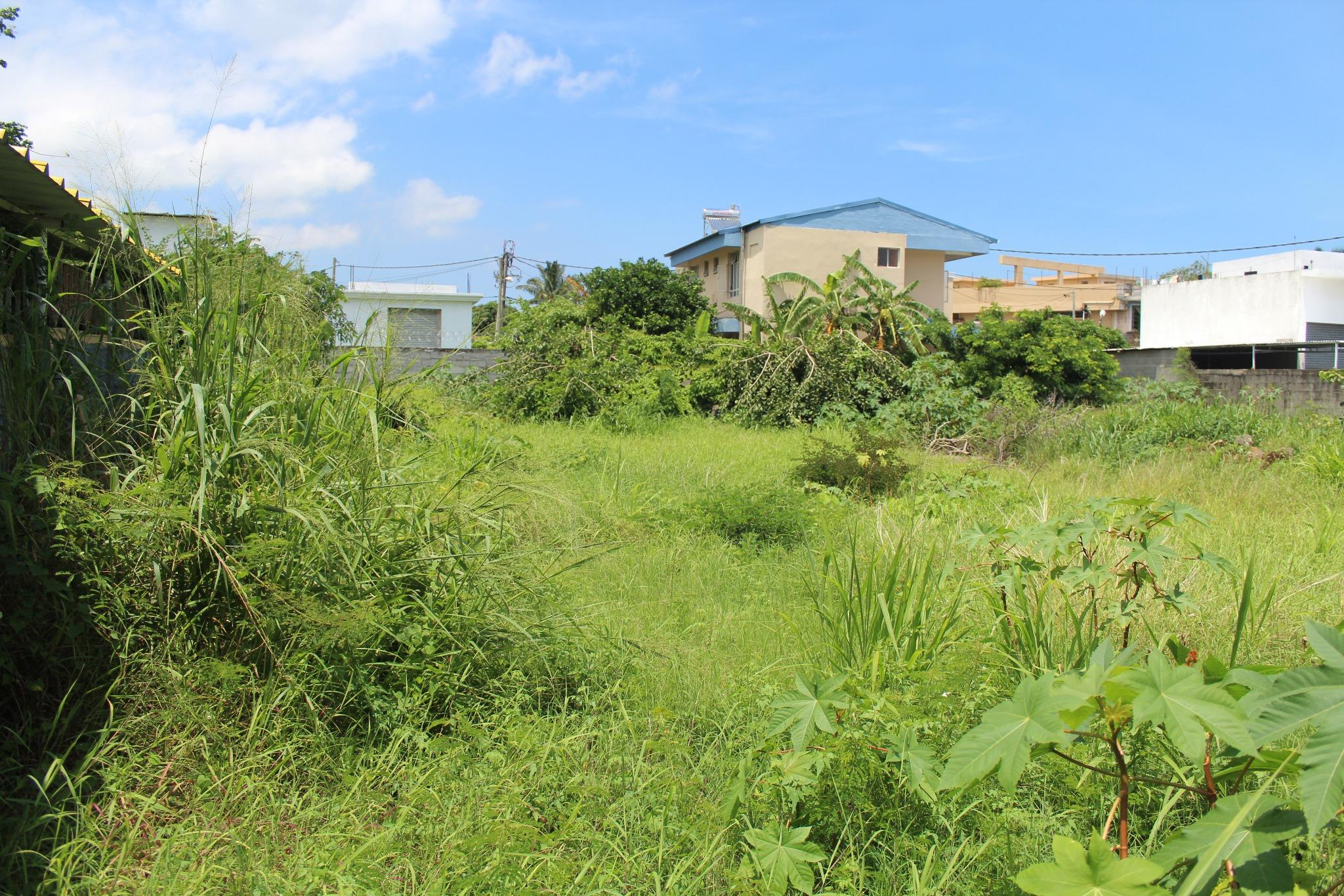 FOR SALE – Fenced land of 255 toises located in Pointe aux Sables