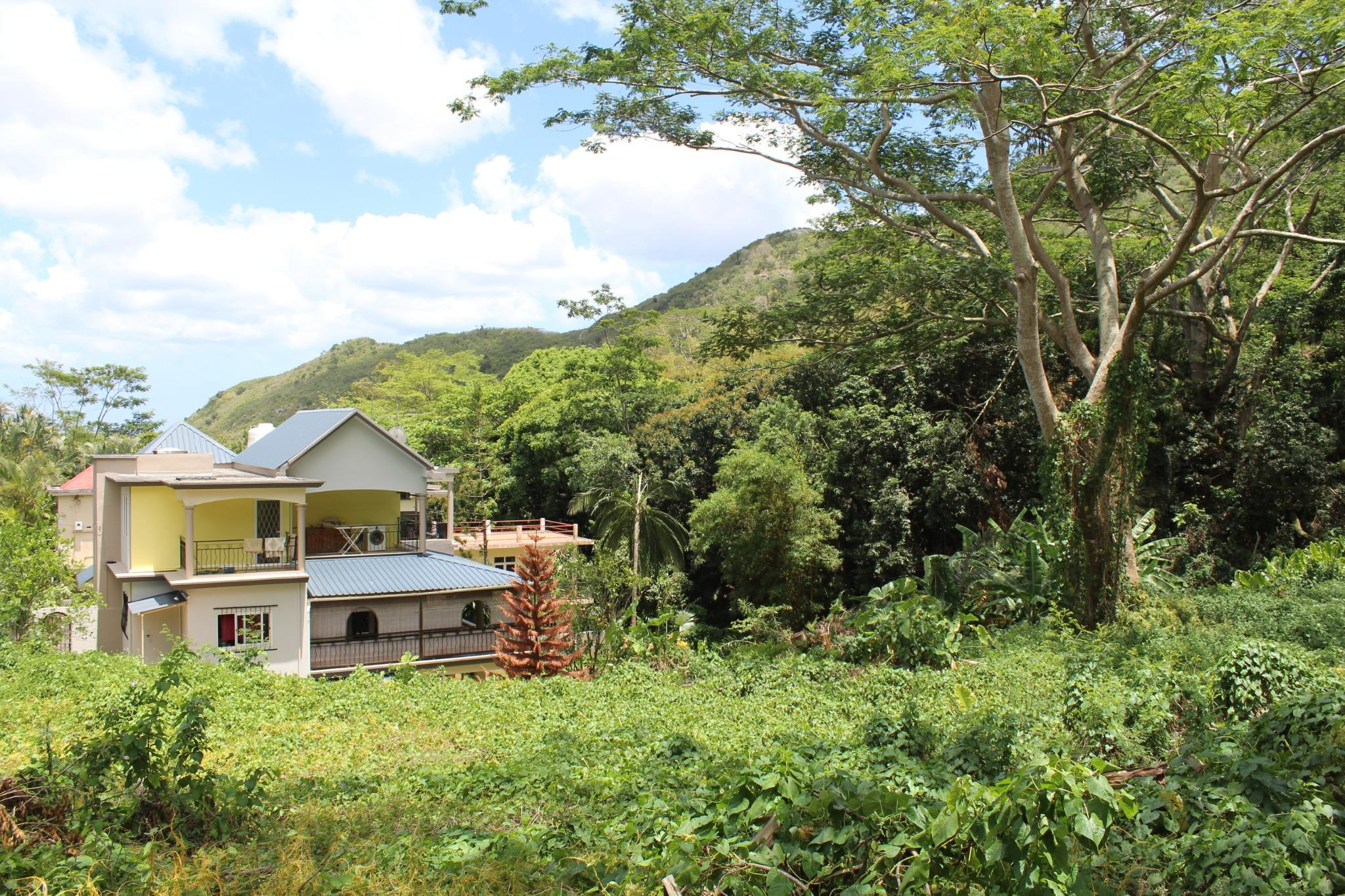 FO SALE – Beautiful residential land of 375 toises located in Moka