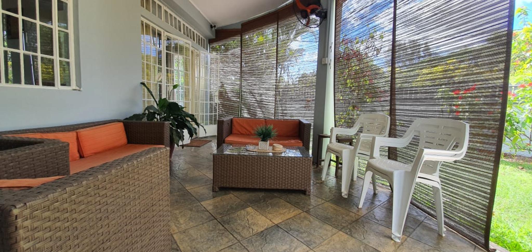 A vendre – Belle maison non meublée de 300 m² se situe à Beau-Bassin.