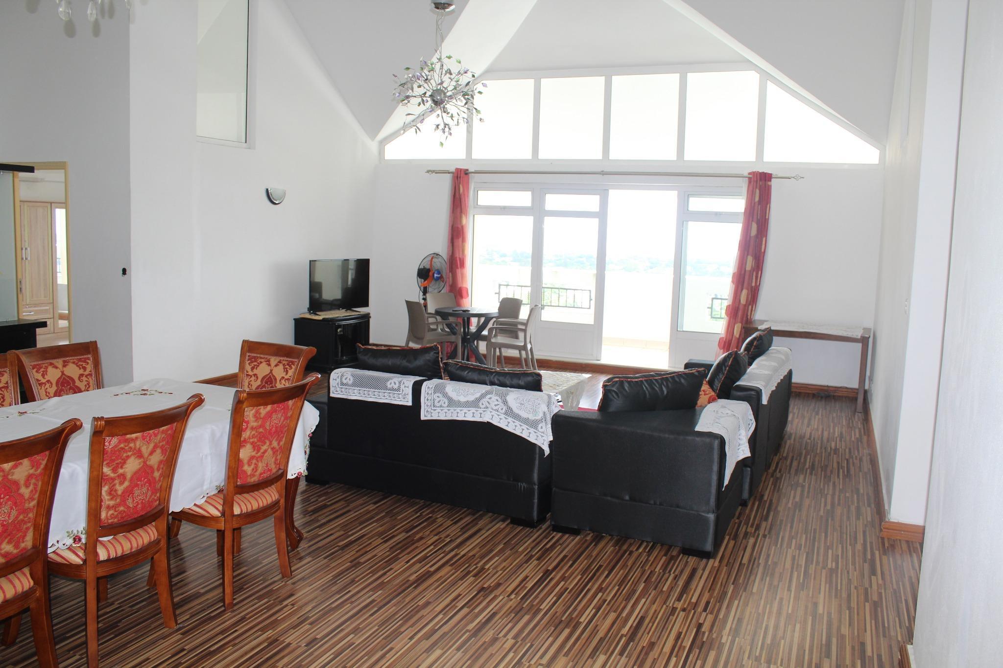 A vendre – Penthouse de 180 m2 à Quatre-Bornes, avec vue sur la montagne – ACCESSIBLE AUX ETRANGERS.