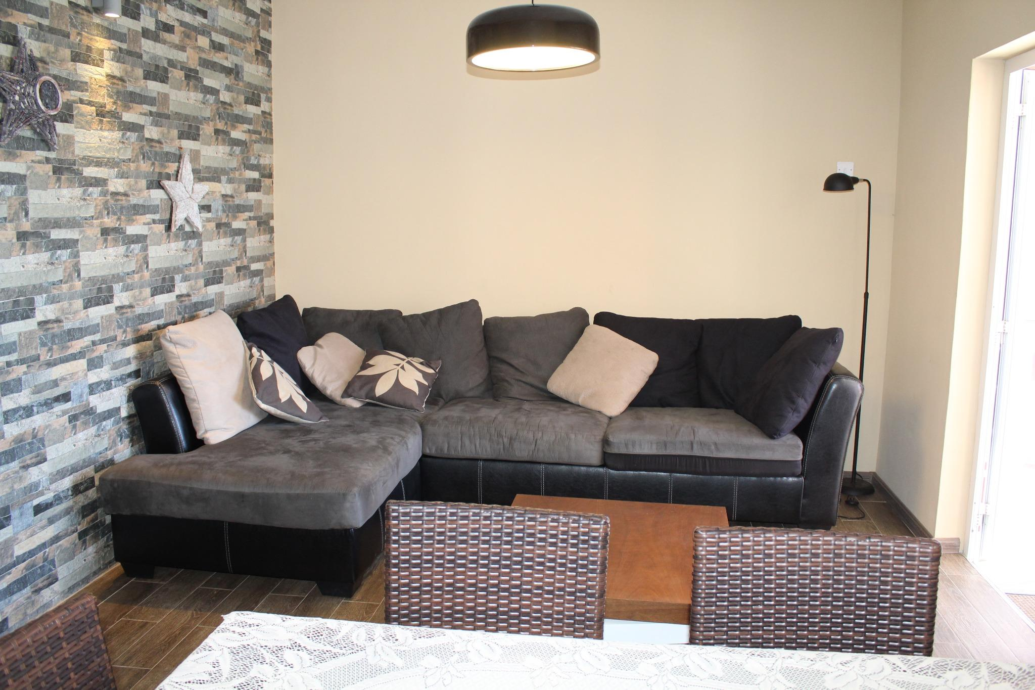 To rent – Beautiful furnished and equipped apartment of 80 m2 in Pereybere on the 1st floor of a 24/7 secured residence