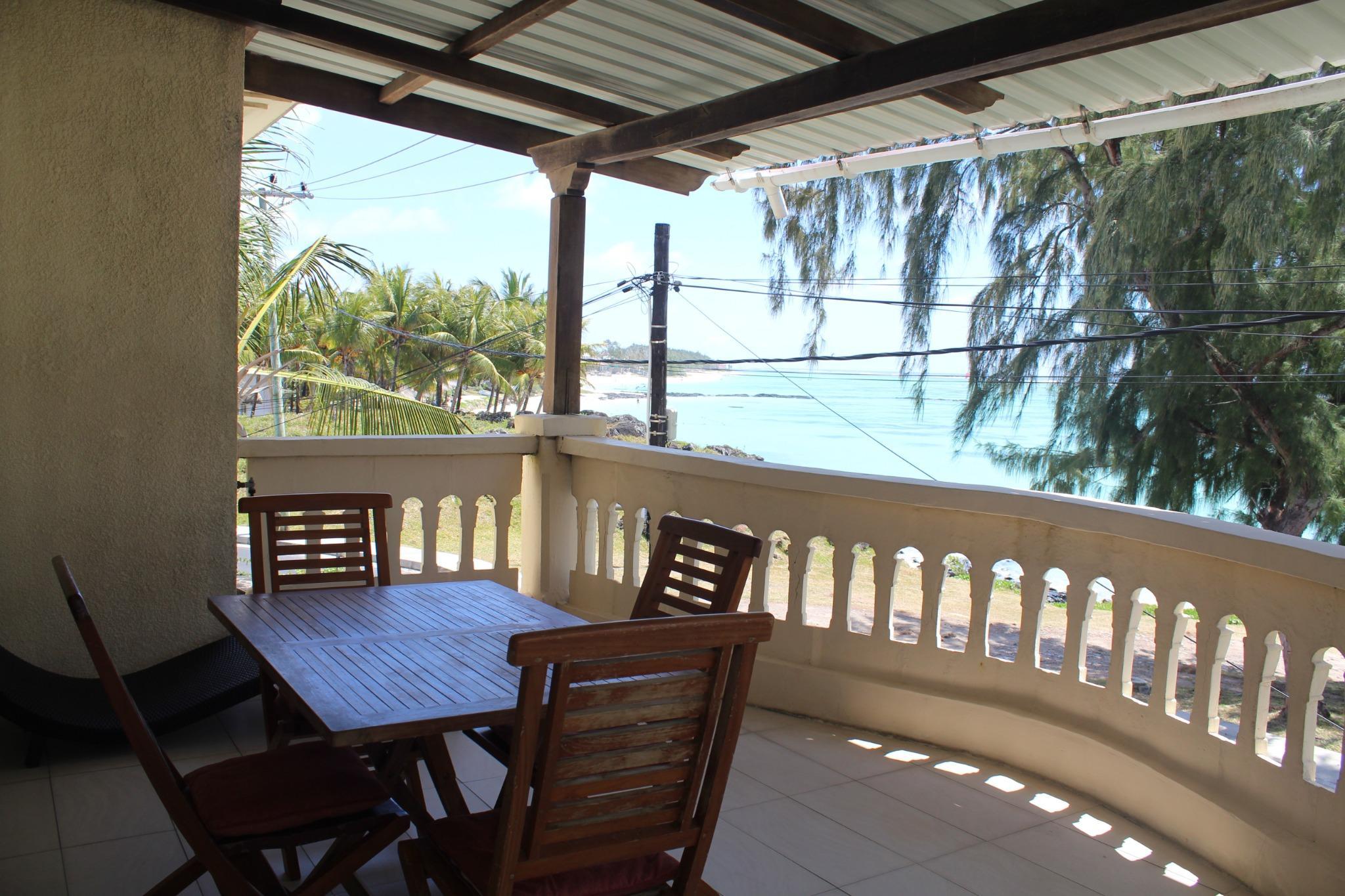 A louer – Maison meublée et équipée dans une résidence sécurisée 24/7 avec vue mer à Palmar.