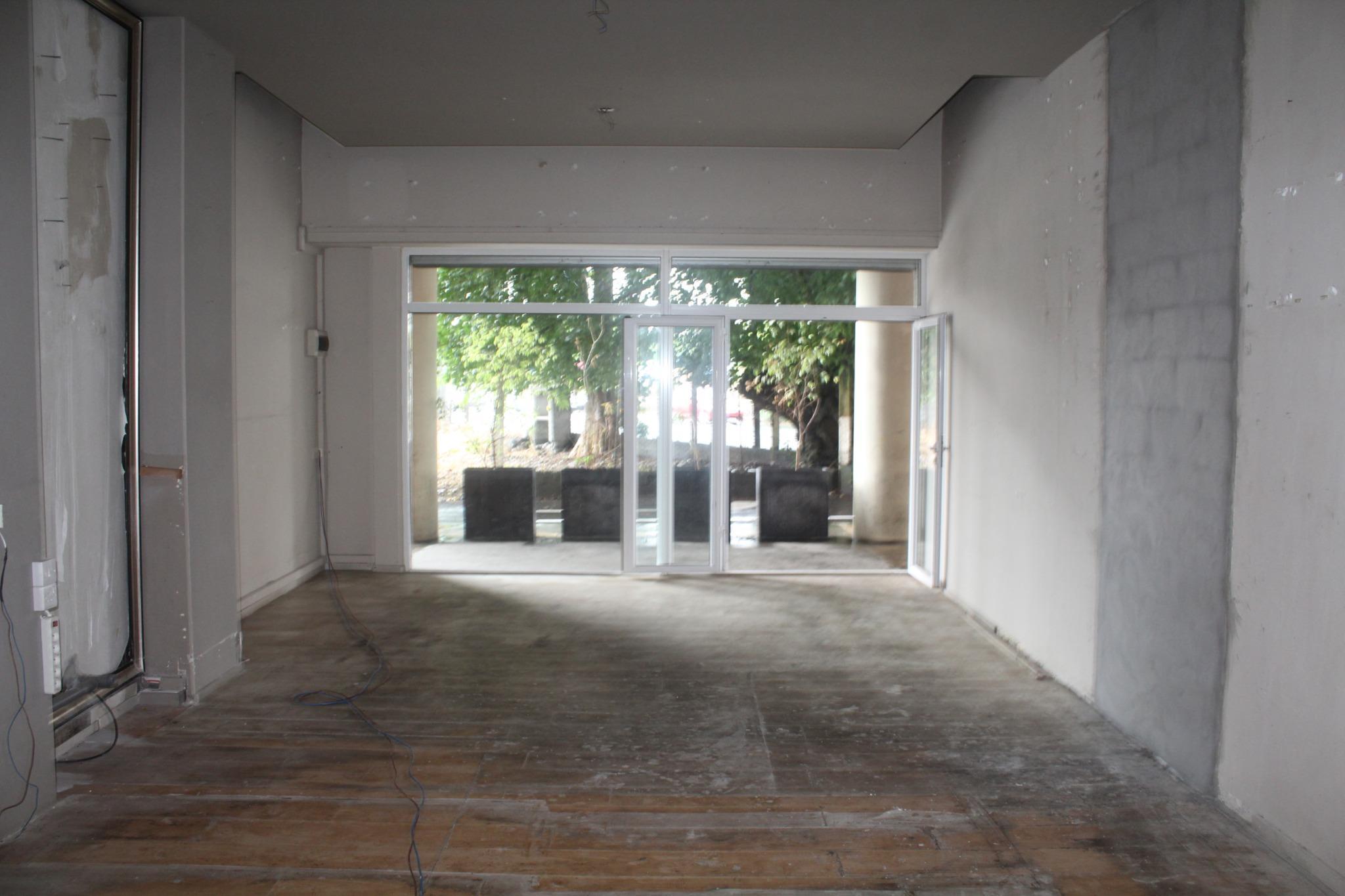 A VENDRE – Local commercial de 208 m2 à Quatre Bornes