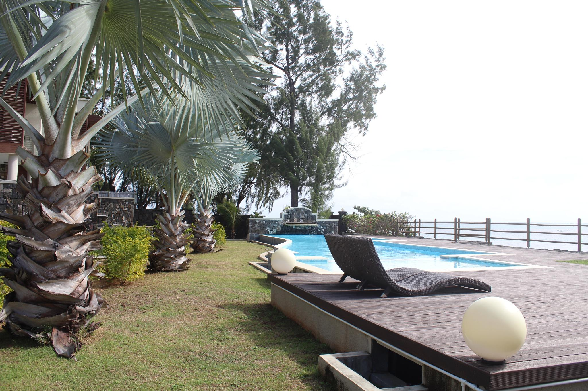 FOR SALE – Wonderful beachfront residence located in Bain Bœuf