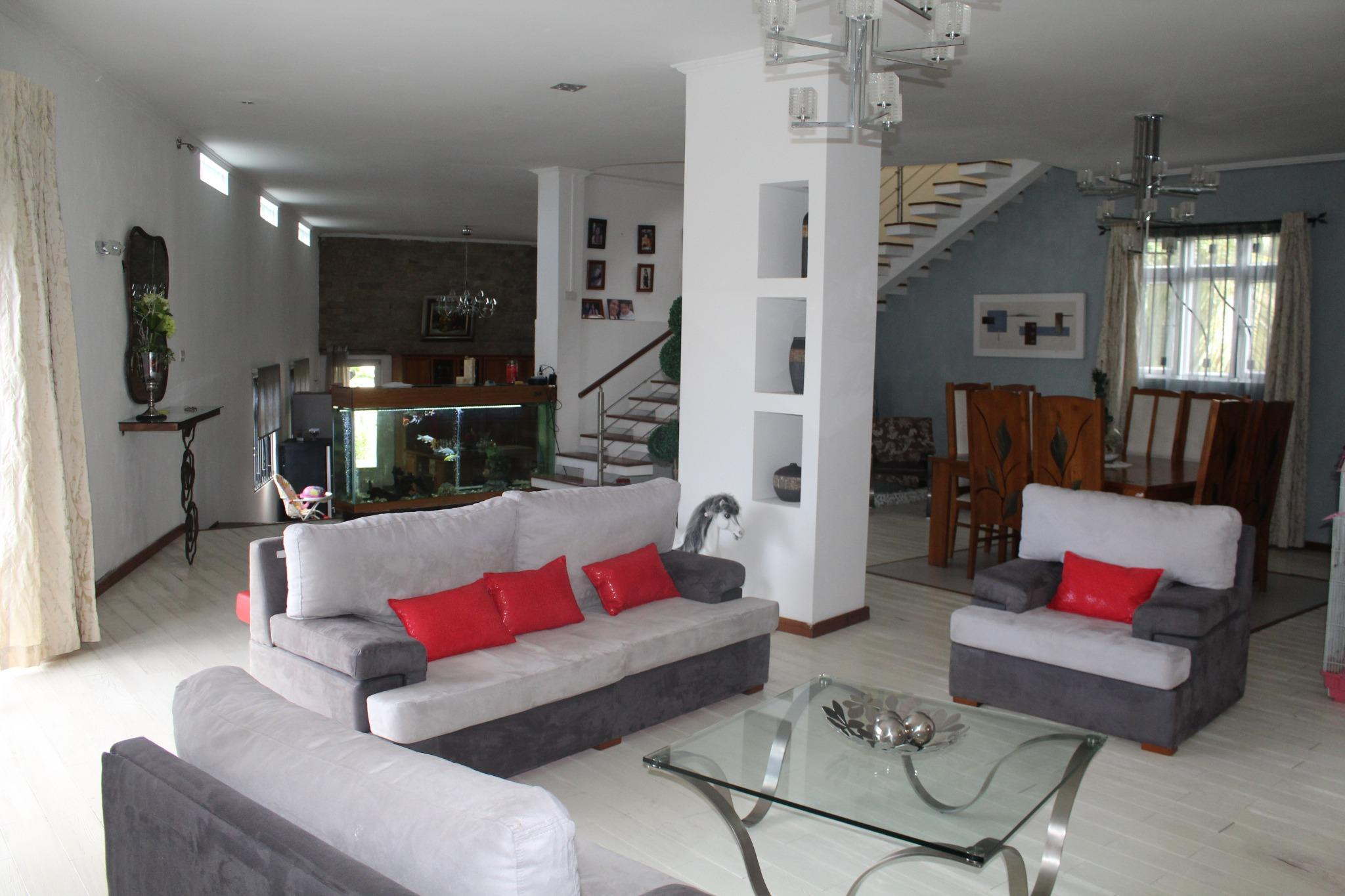 FOR SALE – Pretty furnished and equipped house of 696 m2 situated in Phoenix