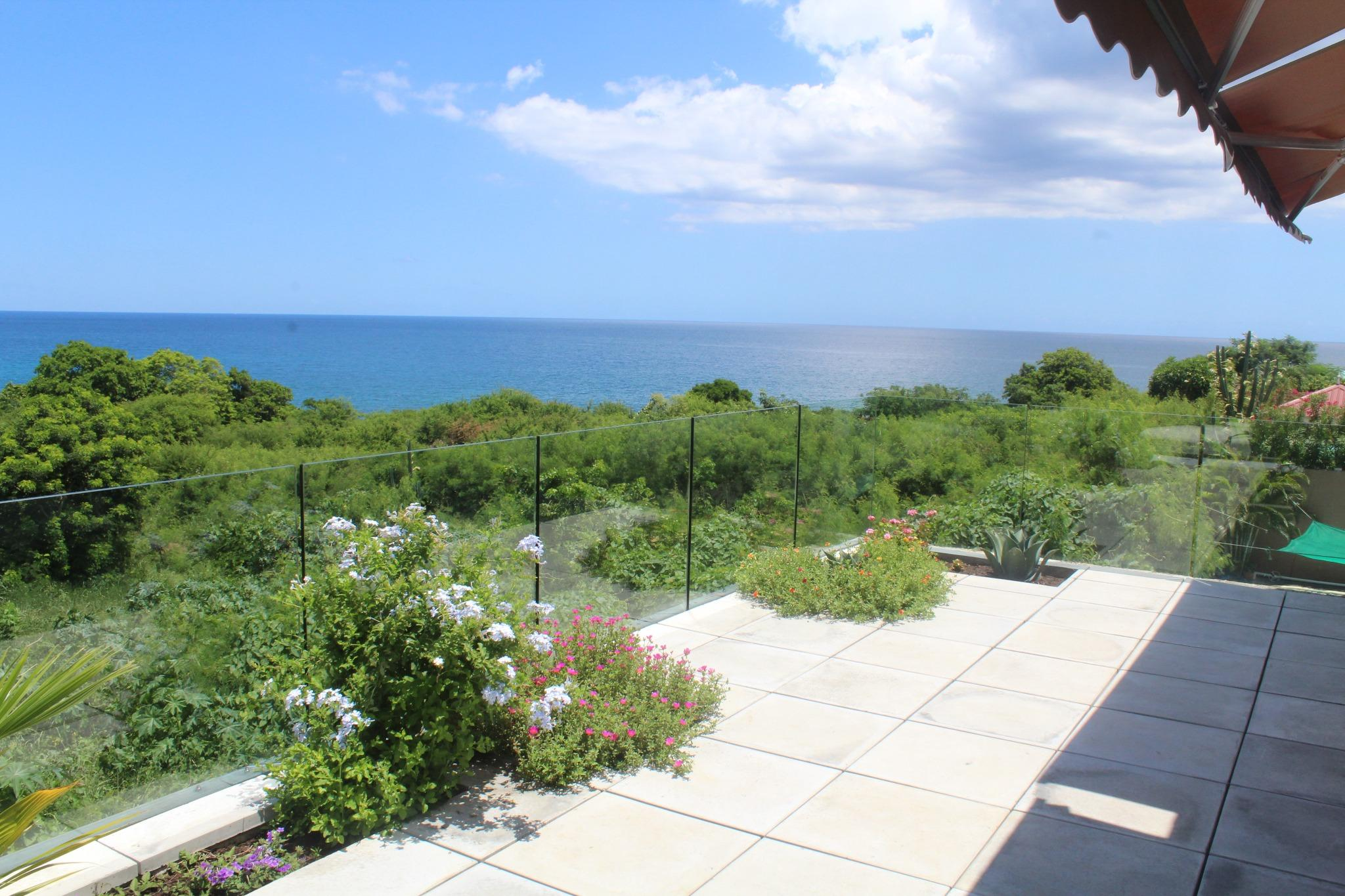 FOR SALE – Magnificent house of 250 m2 in Morcellement Anna.