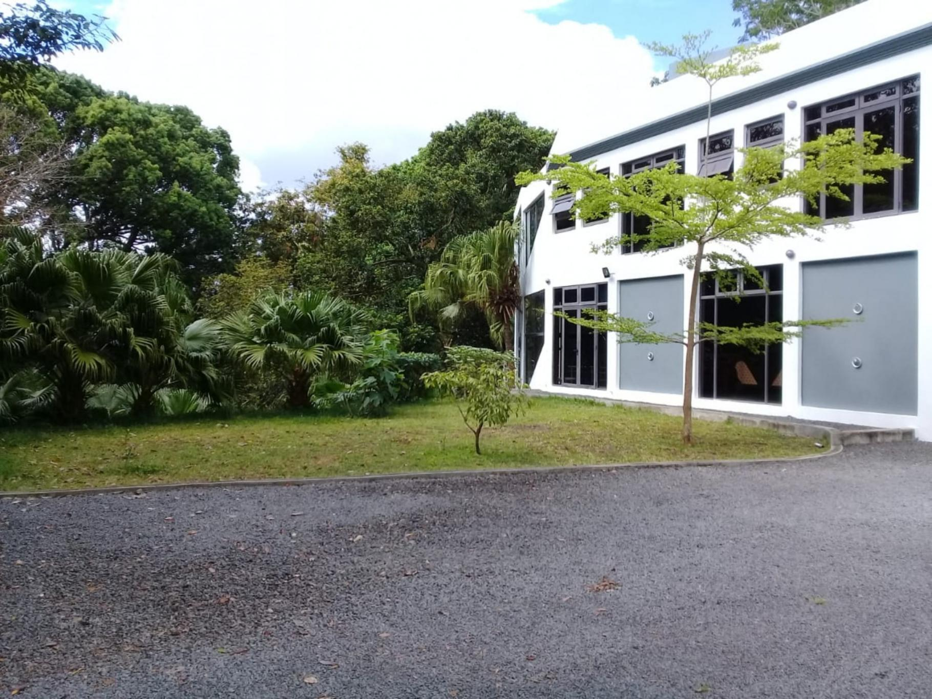 FOR SALE – Semi-furnished house of 434 m2 inBois Chéri Road