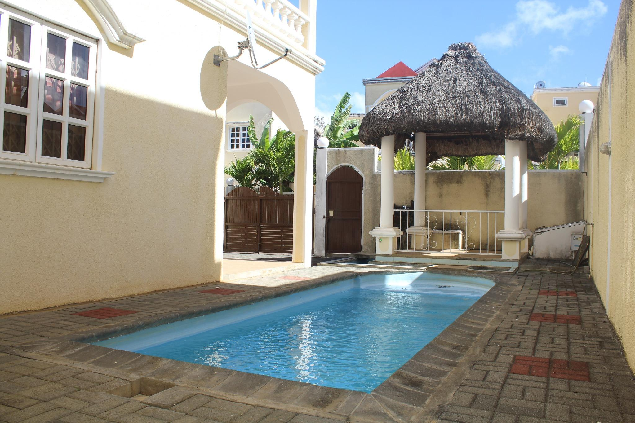 To rent – Charming furnished and equipped townhouse of 175 m2 in Grand Bay.