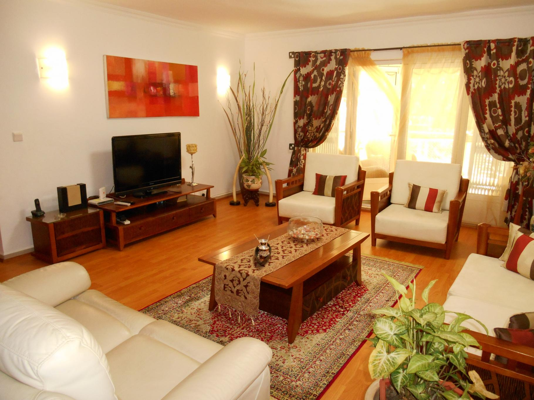 FOR RENT – Beautiful furnished apartment of 204 m2 on the ground floor in a 24/7 secured residence at Trianon.