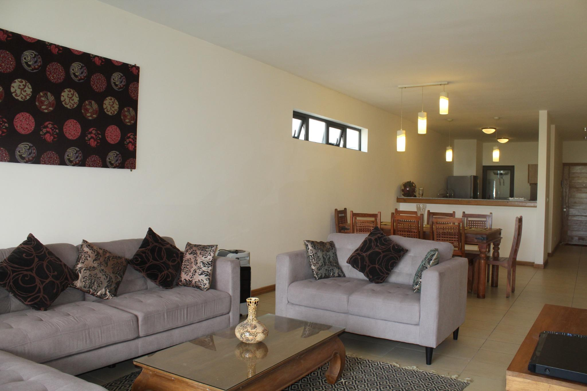 To rent – Magnificent furnished and equipped apartment of 130 m2 in Phoenix in the high-end Hillcrest residence.