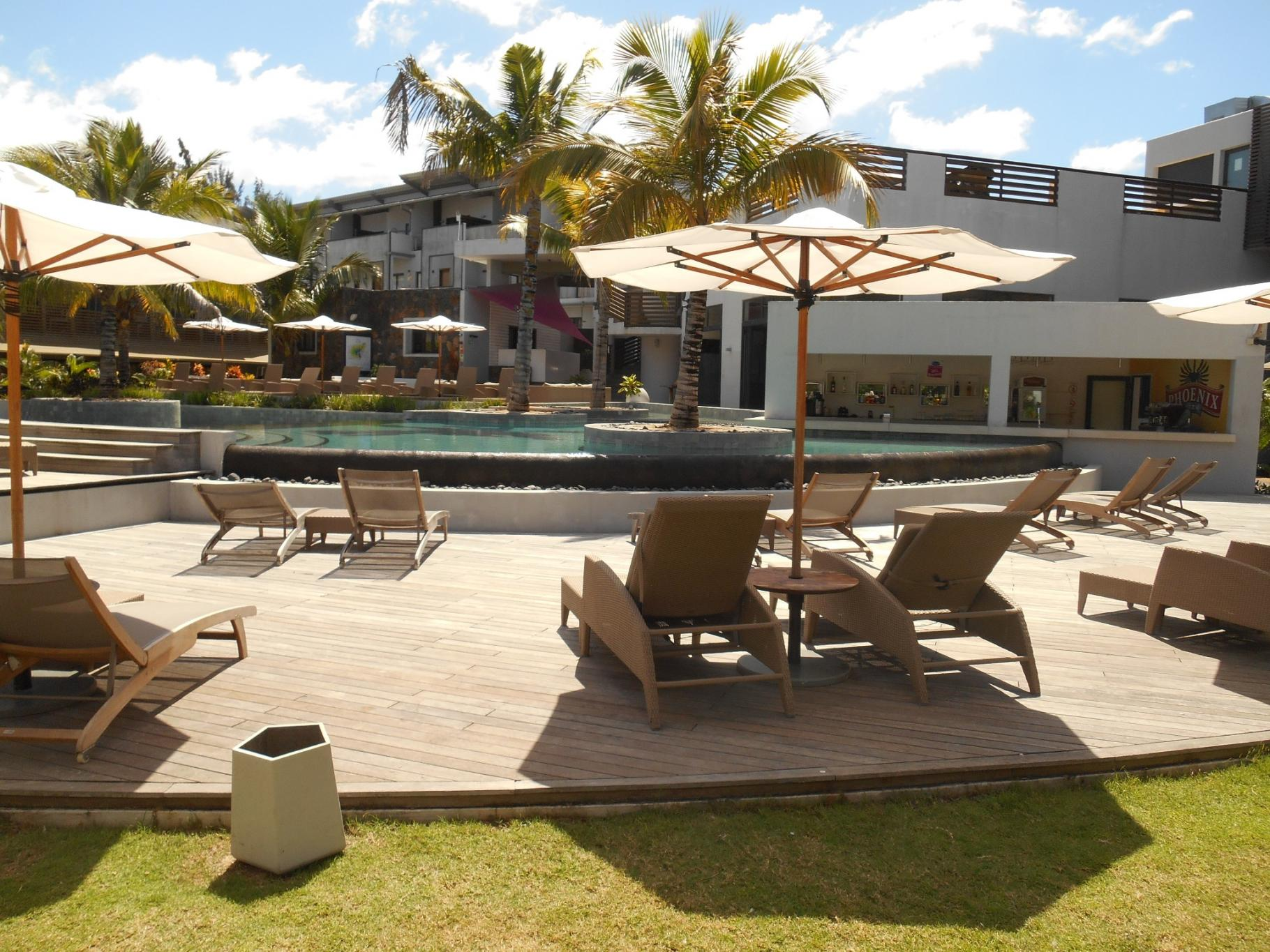 FOR SALE – Beautiful furnished and equipped apartment of 78 m2 at BeCosy Hotel in Trou aux Biches.