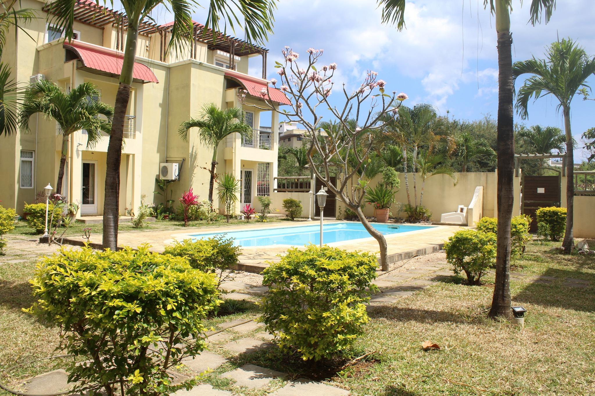 To rent – Furnished and equipped duplex of 130 m2 in Flic en Flac.