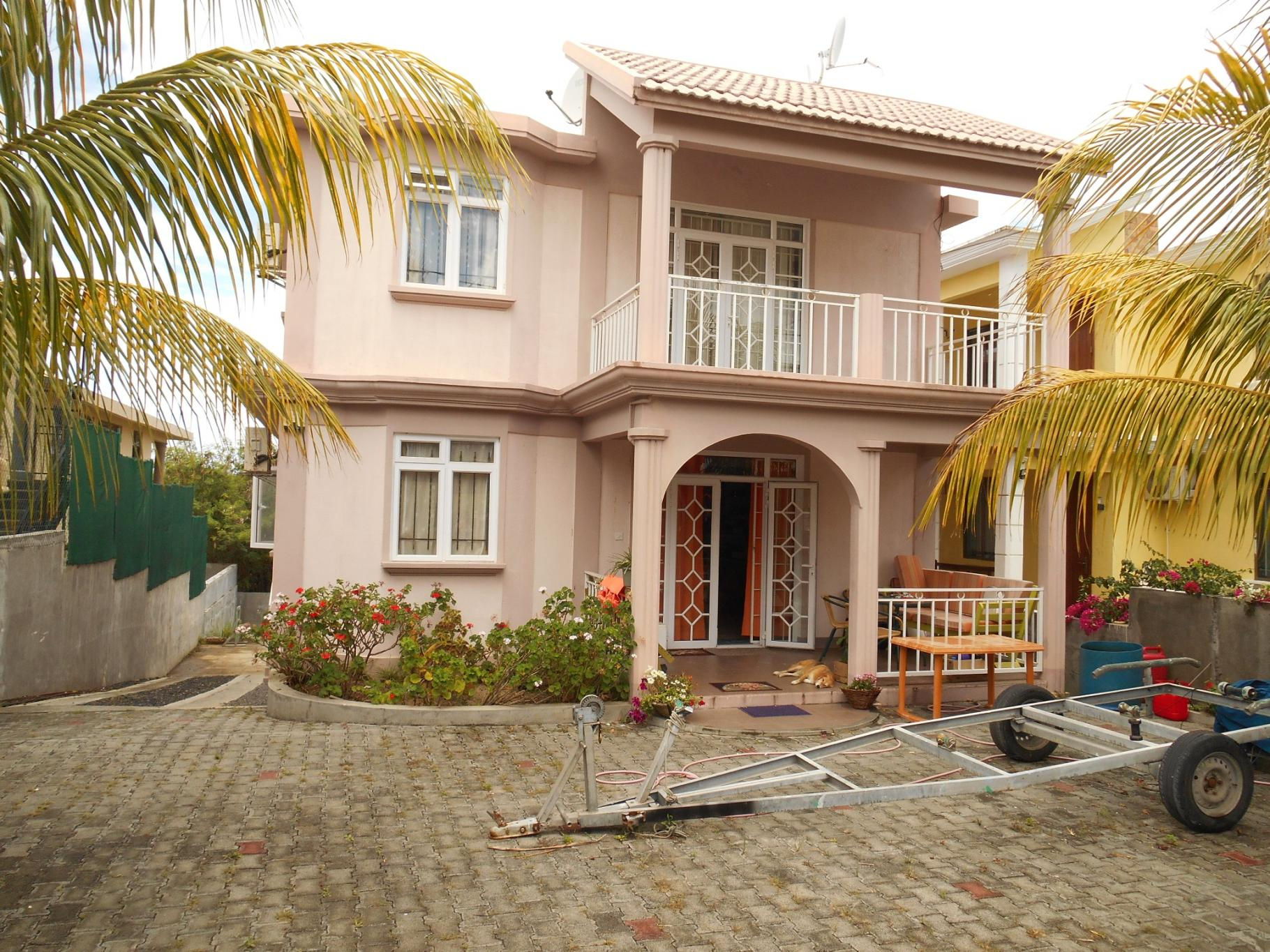 FOR SALE – Nice house of 218 m2 in Pereybère