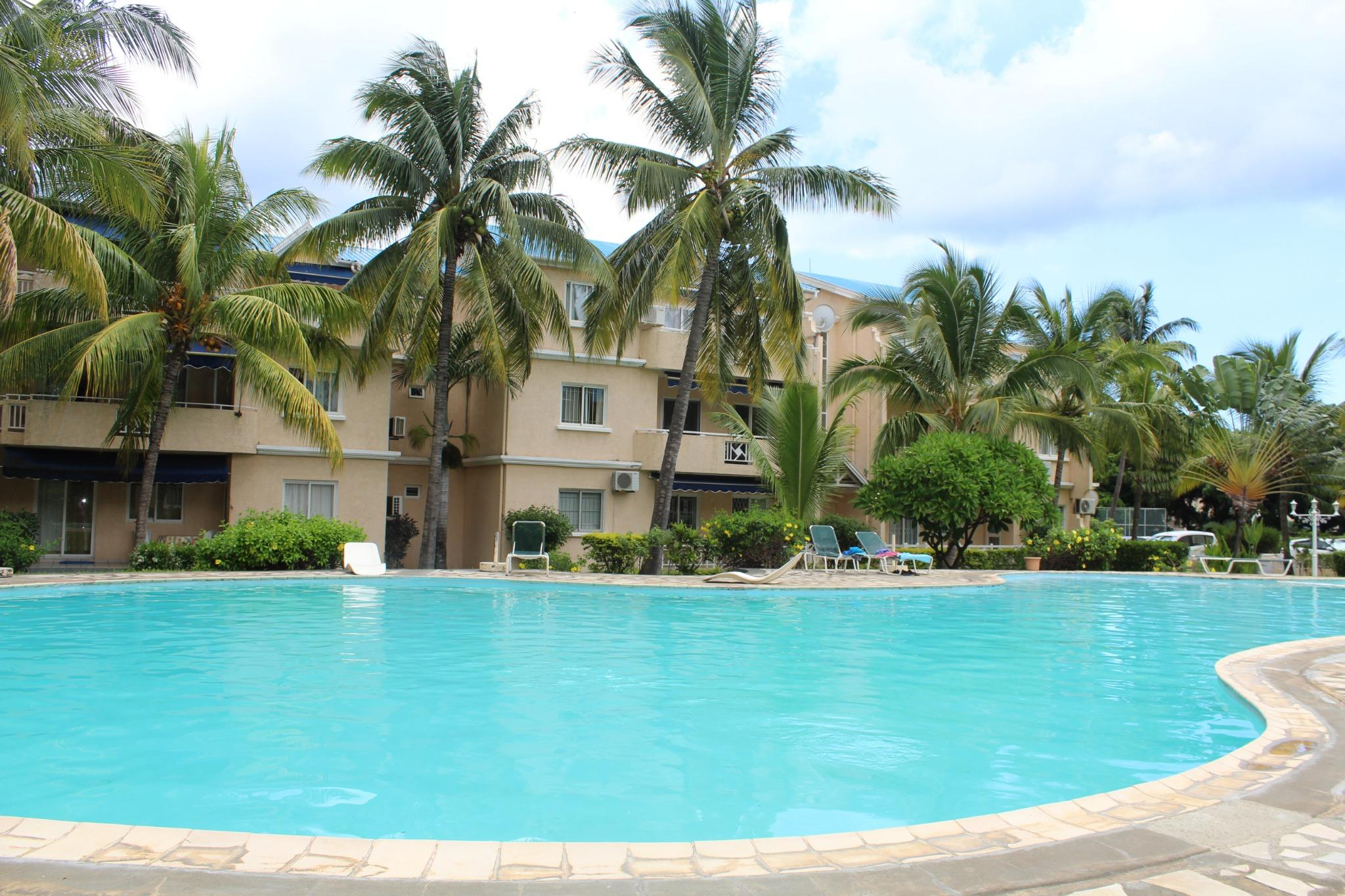 To rent – Beautiful furnished and equipped apartment of 125 m2 on the 1st floor of a 24/7 secured residence in Flic en Flac