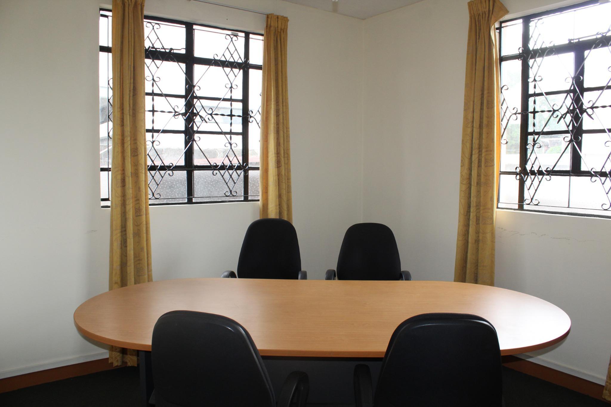 A louer – Espace bureau non-meublé de 139 m2 situé au RDC  à Vacoas.
