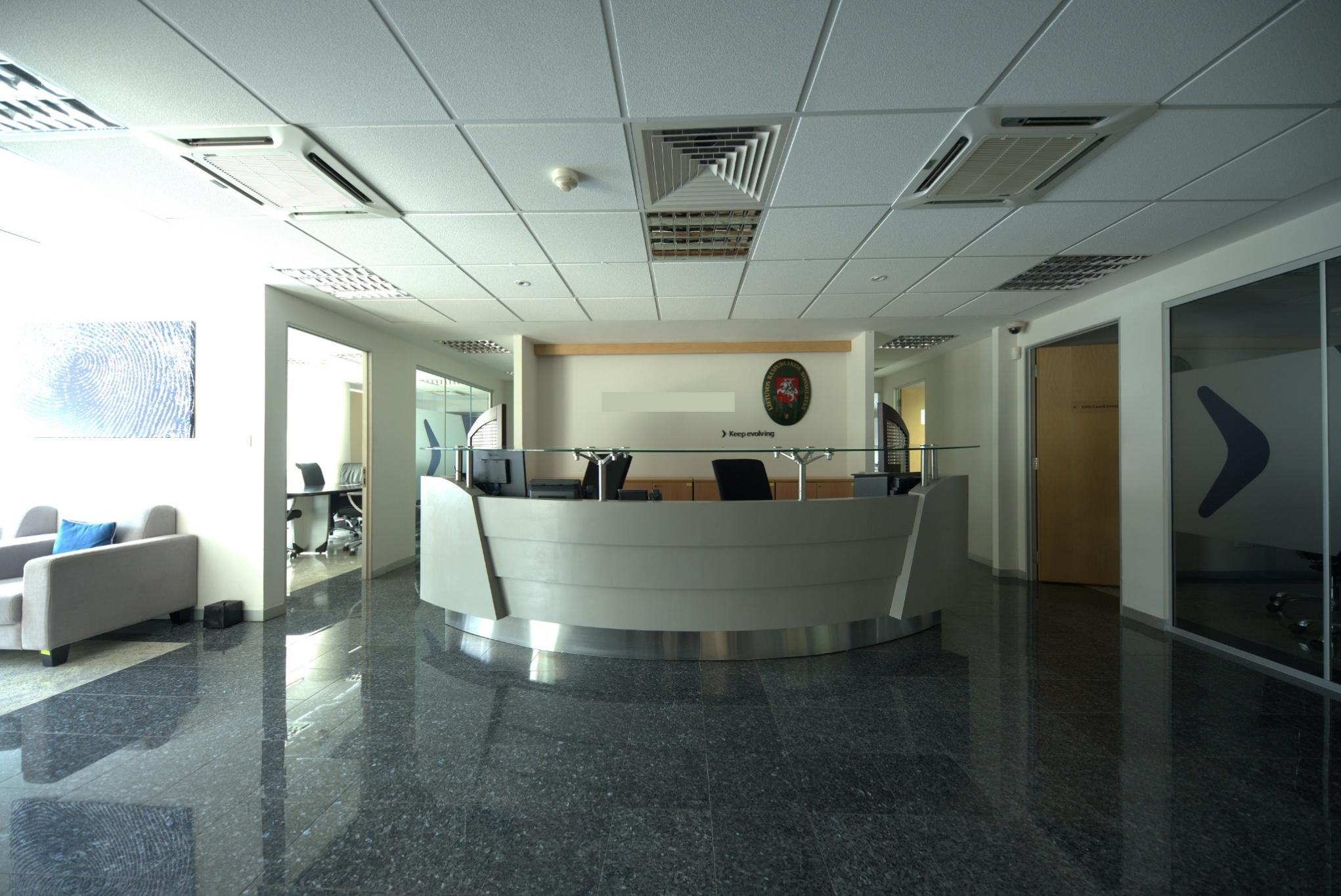 FOR SALE – 3 Offices of 239 m2 each in the heart of Port-Louis.