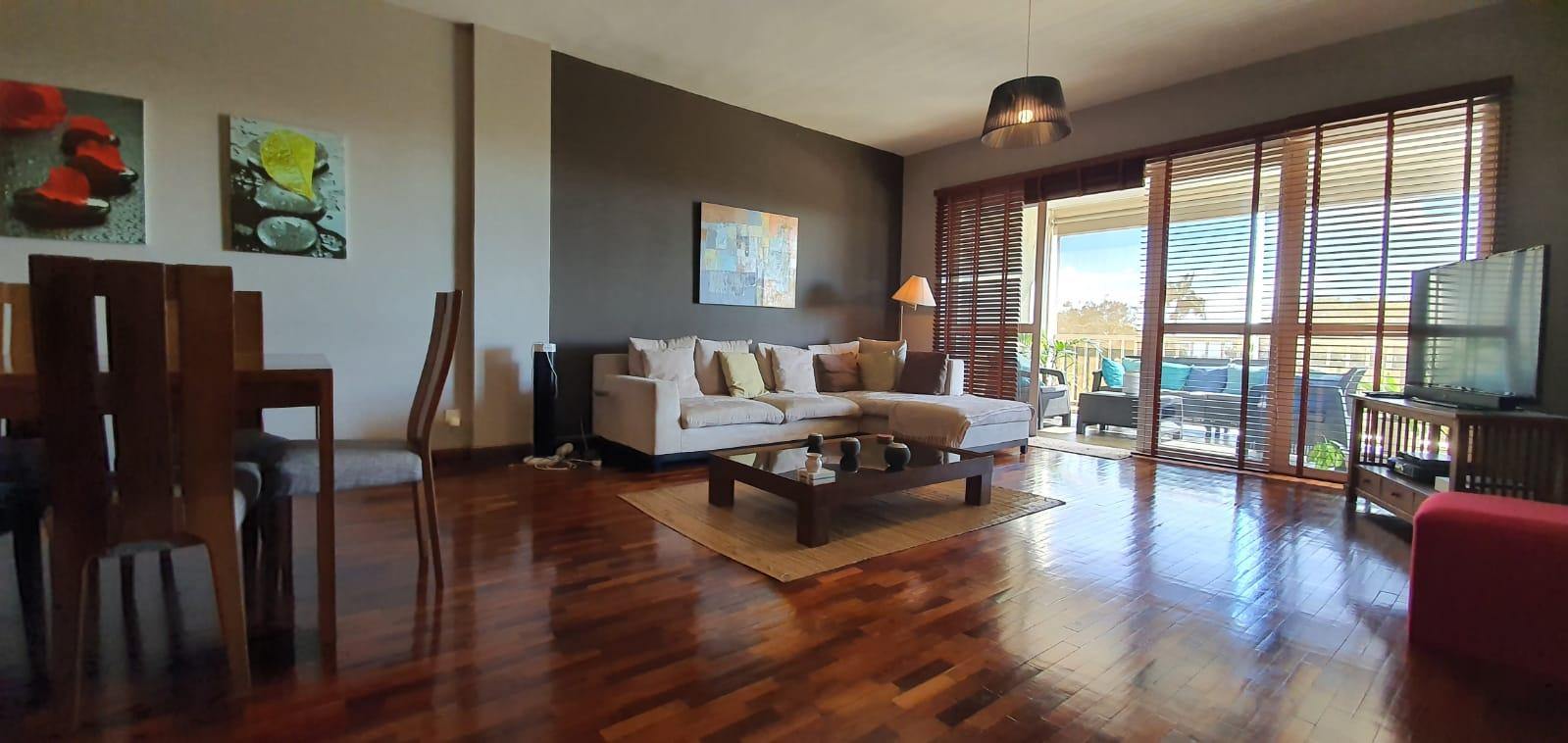 FOR SALE – Magnificent unfurnished apartment of 153 m2 is located in a high-end residence in a prestigious avenue of Floréal
