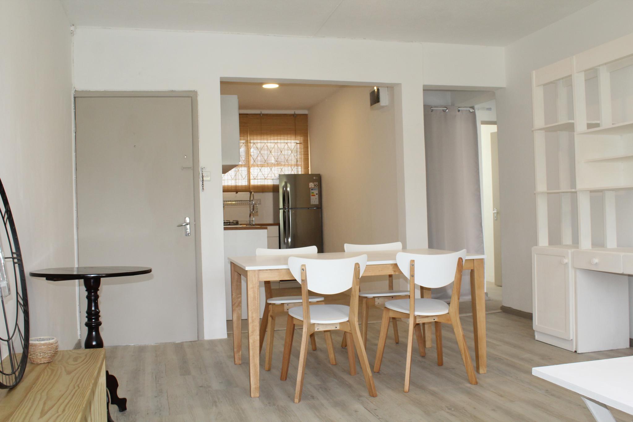 A VENDRE – Magnifique appartement non meublé de 59 m2 est situé au 2ème étage (sans ascenseur) d'une résidence proche de toutes commodités à Curepipe.
